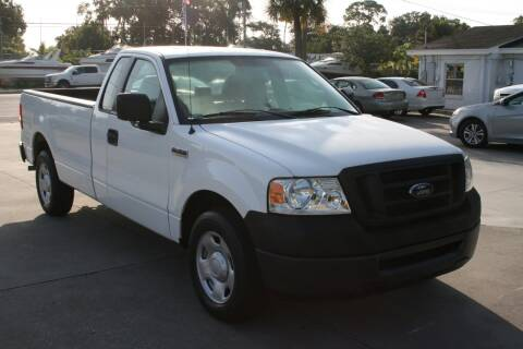 2007 Ford F-150 for sale at Mike's Trucks & Cars in Port Orange FL