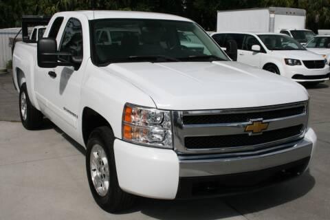 2008 Chevrolet Silverado 1500 for sale at Mike's Trucks & Cars in Port Orange FL