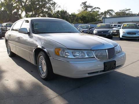 2001 Lincoln Town Car for sale in Port Orange, FL
