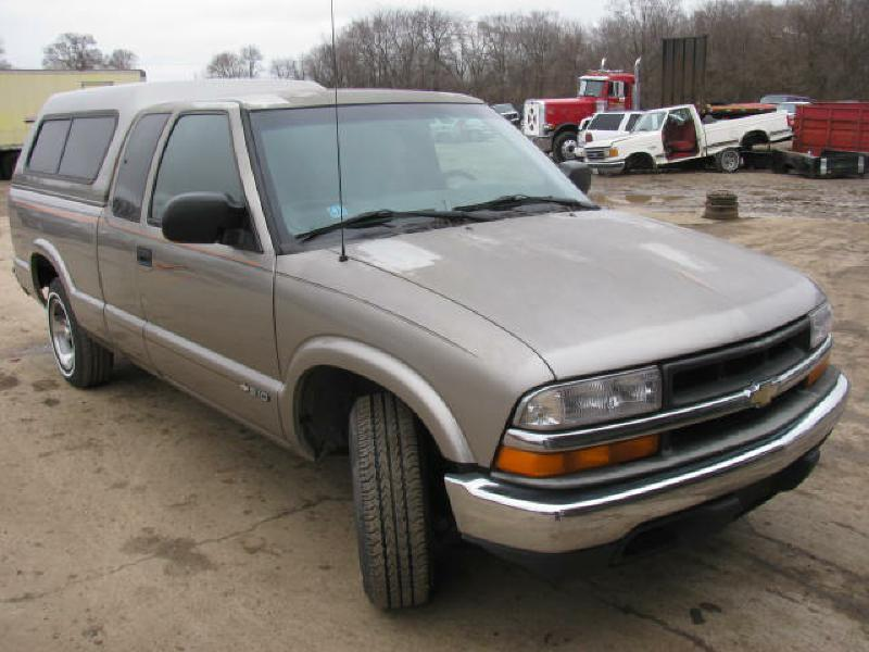 2000 Chevrolet S-10 S10 - Armington IL