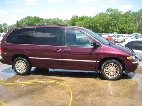 1998 Chrysler Town and Country for sale in Armington, IL