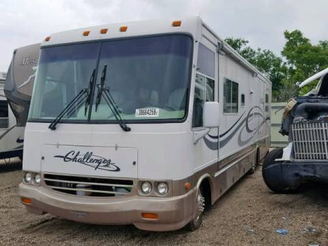 2000 Workhorse MOTORHOME CHASS for sale at Carz R Us 1 Heyworth IL - Carz R Us Armington IL in Armington IL