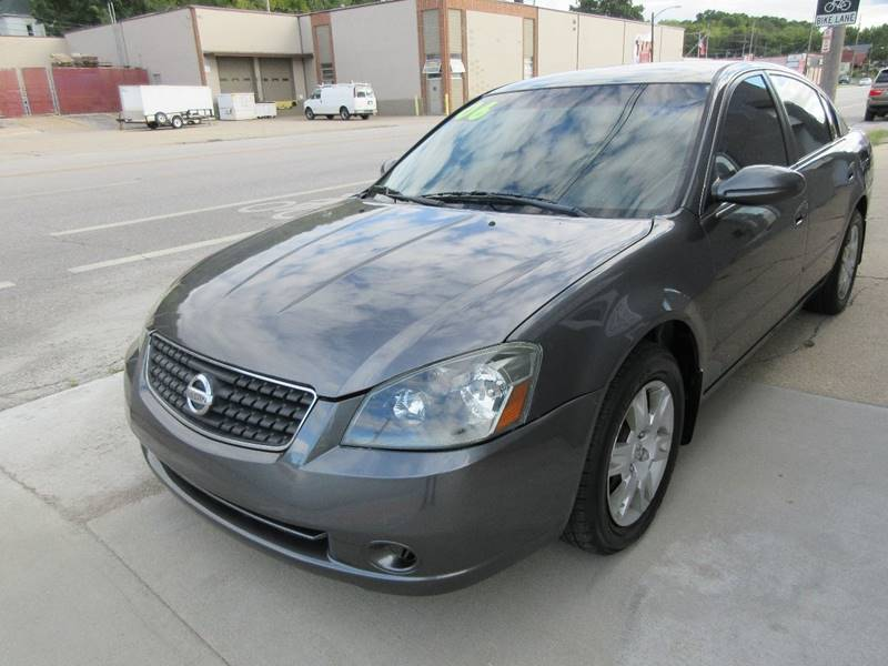 2006 Nissan Altima for sale at Ideal Auto in Kansas City KS