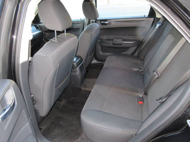 2008 Chrysler 300 LX 4dr Sedan - Kansas City KS