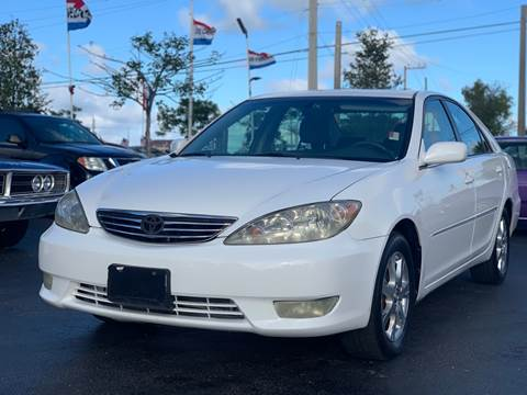 2006 Toyota Camry XLE V6 for sale at KD's Auto Sales in Pompano Beach FL