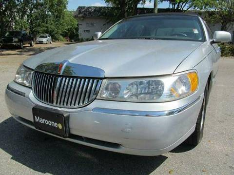 2000 Lincoln Town Car for sale in Margate, FL