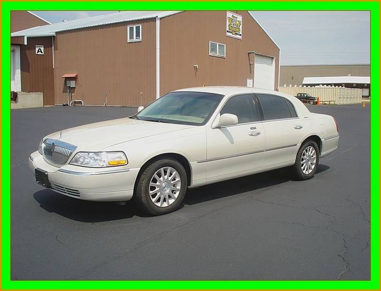 2007 Lincoln Town Car for sale at Cambridge Automotive Repair in Cambridge WI