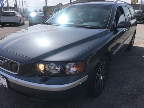 2004 Volvo V70 for sale at Volare Motors in Cranston RI