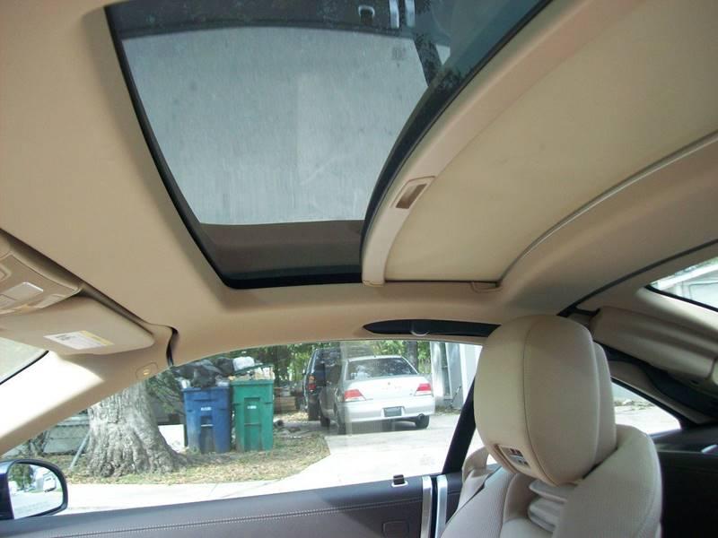 2013 Mercedes-Benz SL-Class SL550 2dr Convertible - San Antonio TX