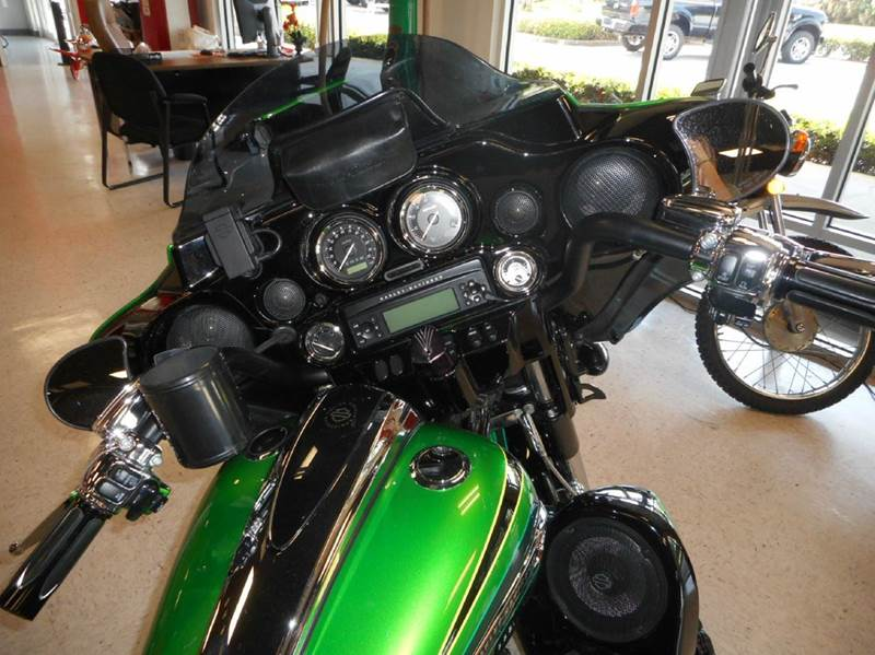 2011 Harley-Davidson Street Glide CVO - Oakland FL