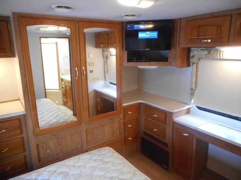 2003 Damon Intruder 379 class a - Oakland FL