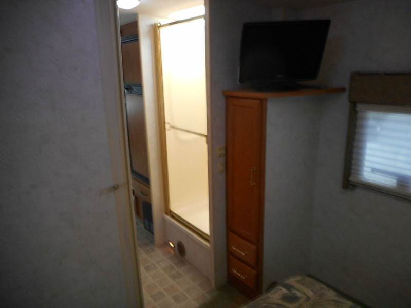 2005 Winnebago Minnie 31C class c - Oakland FL