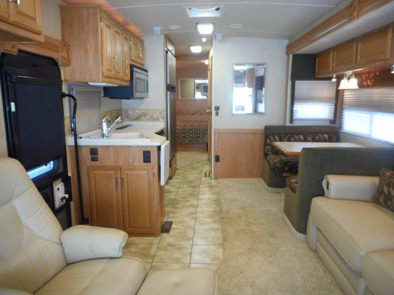 2006 Winnebago Adventurer 35U class a - Oakland FL