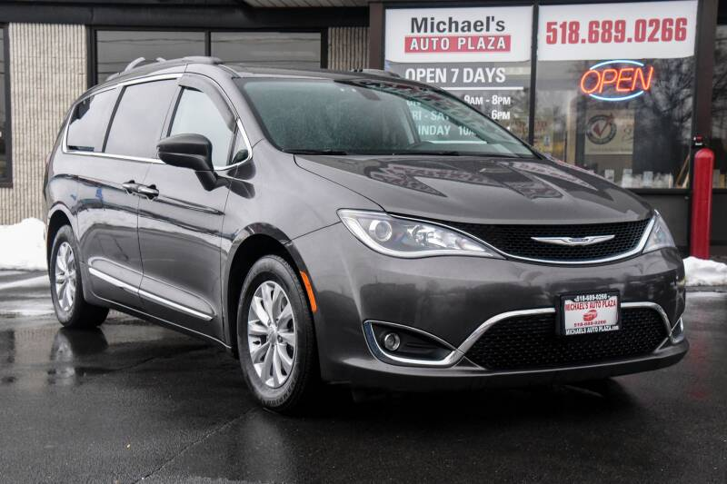 2017 Chrysler Pacifica Touring L 4dr Mini Van