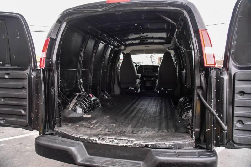 2017 GMC Savana Cargo 2500 3dr Cargo Van - East Greenbush NY