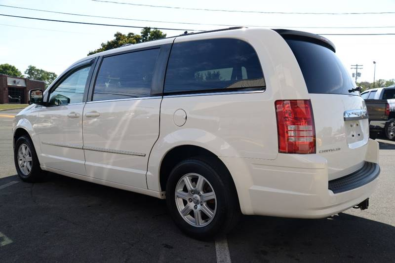 2010 Chrysler Town and Country Touring 4dr Mini-Van - East Greenbush NY