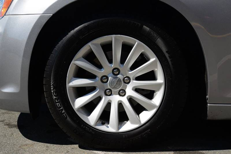 2013 Chrysler 300 4dr Sedan - East Greenbush NY