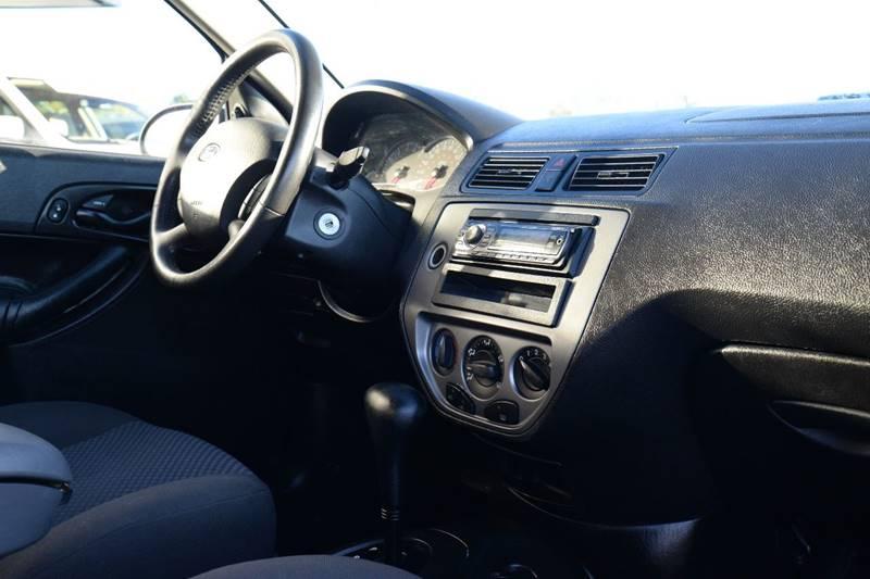 2005 Ford Focus ZX3 SE 2dr Hatchback - East Greenbush NY