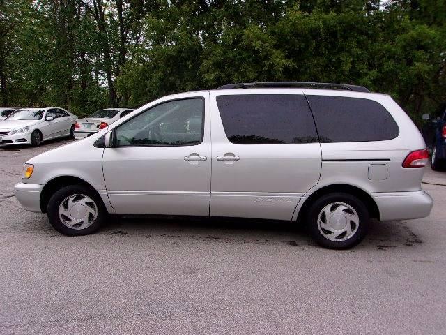 2003 Toyota Sienna 4dr LE Mini-Van - Manchester NH