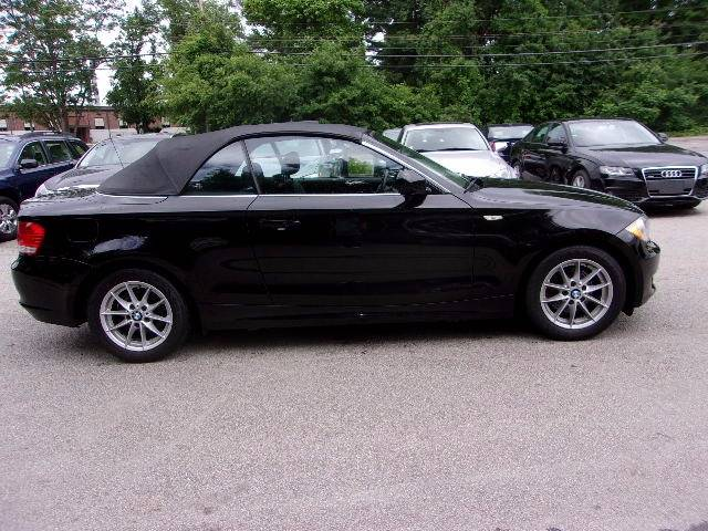 2011 BMW 1 Series 128i 2dr Convertible SULEV - Manchester NH