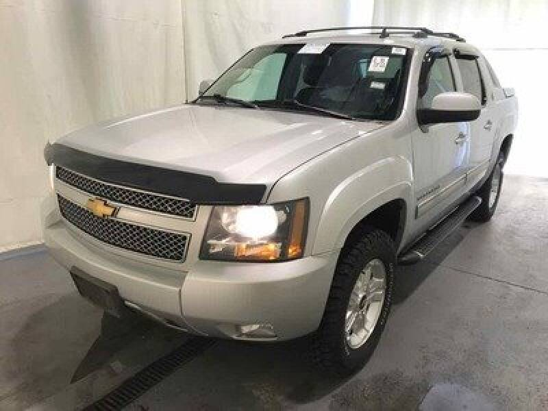 2013 Chevrolet Avalanche 4x4 LT 4dr Crew Cab Pickup - Rowley MA