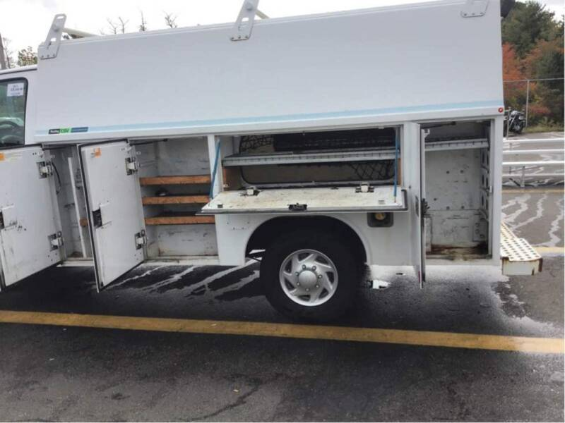2011 Ford E-Series Chassis E-350 SD 2dr Commercial/Cutaway/Chassis 138-176 in. WB - Rowley MA