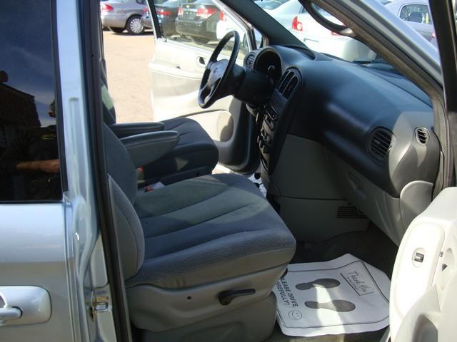 2004 Dodge Grand Caravan SXT 4dr Extended Mini-Van - Detroit MI