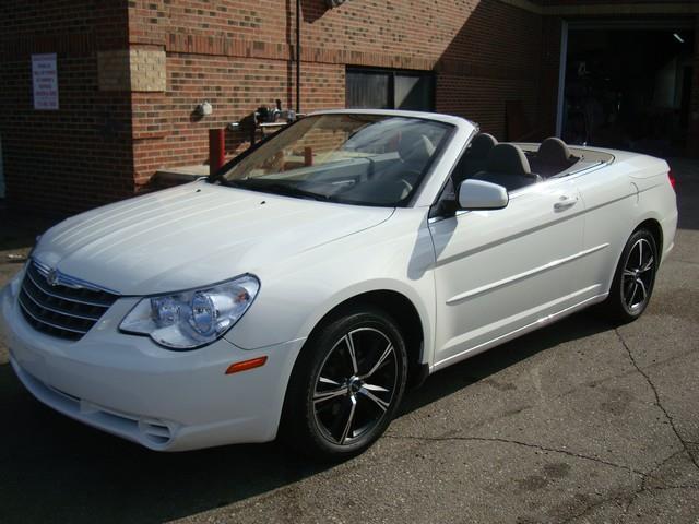 2008 Chrysler Sebring LX 2dr Convertible - Detroit MI