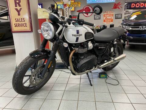 2018 Triumph Street Twin for sale at Windy City Motors in Chicago IL