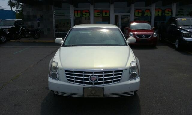 2006 Cadillac Dts car for sale in Detroit