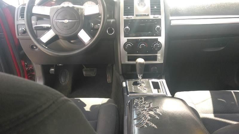 2009 Chrysler 300 LX 4dr Sedan - Clinton Township MI