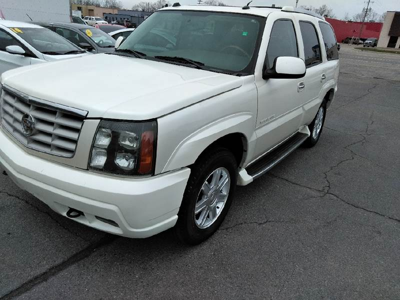 2004 Cadillac Escalade car for sale in Detroit