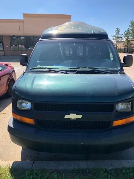 2004 Chevrolet Express Passenger car for sale in Detroit