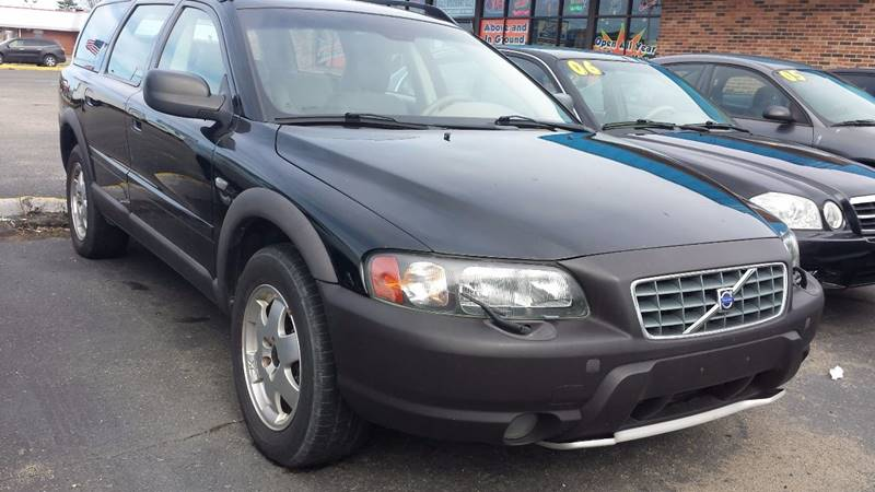 2004 Volvo Xc70 car for sale in Detroit