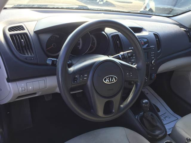 2012 Kia Forte LX 4dr Sedan 6M - Clinton Township MI