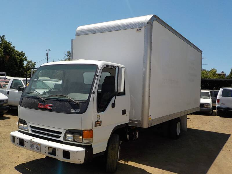2005 GMC W4500 for sale at Royal Motor in San Leandro CA