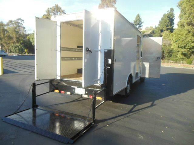 2003 Chevrolet Express Cutaway 11.5ft Box Van W/Lift - San Leandro CA