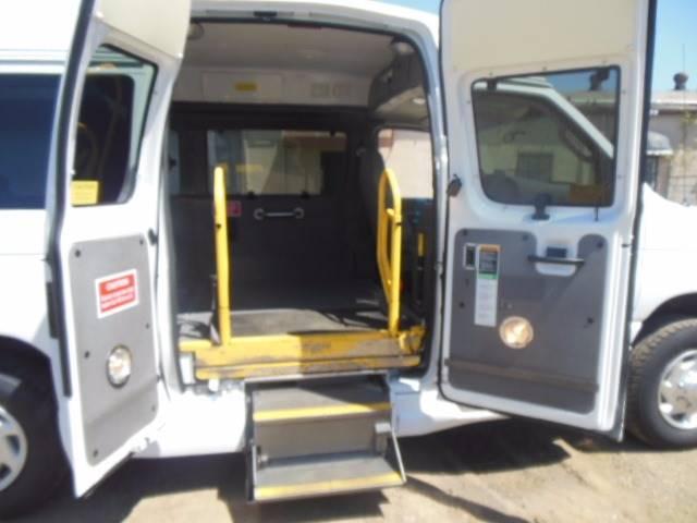 2008 Ford E-350 Wheelchair Handy Cap - San Leandro CA