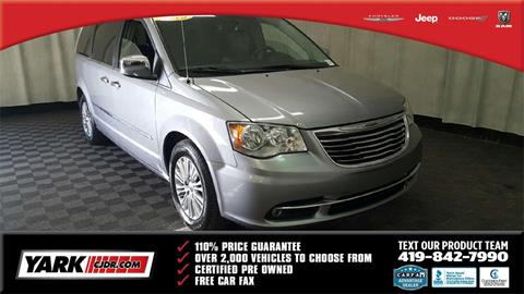 2015 Chrysler Town and Country for sale in Toledo, OH