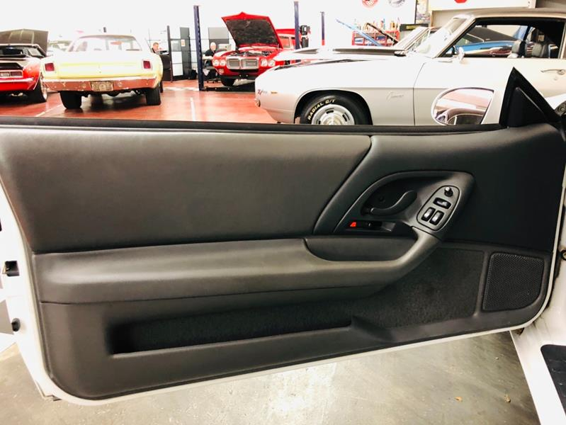 1997 Chevrolet Camaro 28