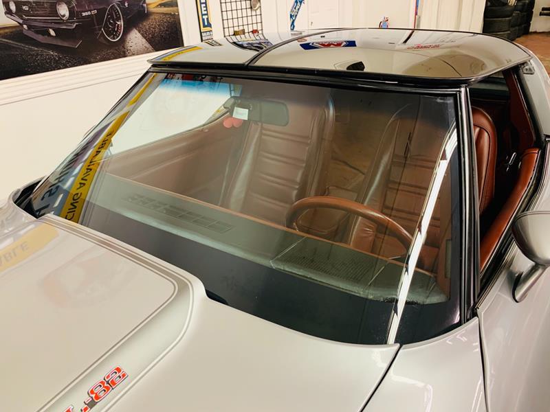 1978 Chevrolet Corvette 16