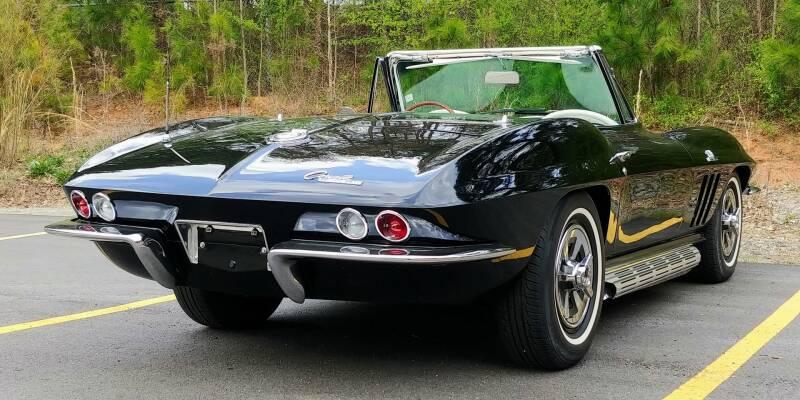 1965 Chevrolet Corvette 16