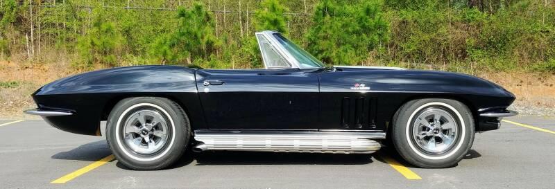 1965 Chevrolet Corvette 12