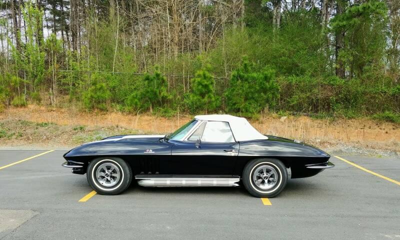 1965 Chevrolet Corvette 21