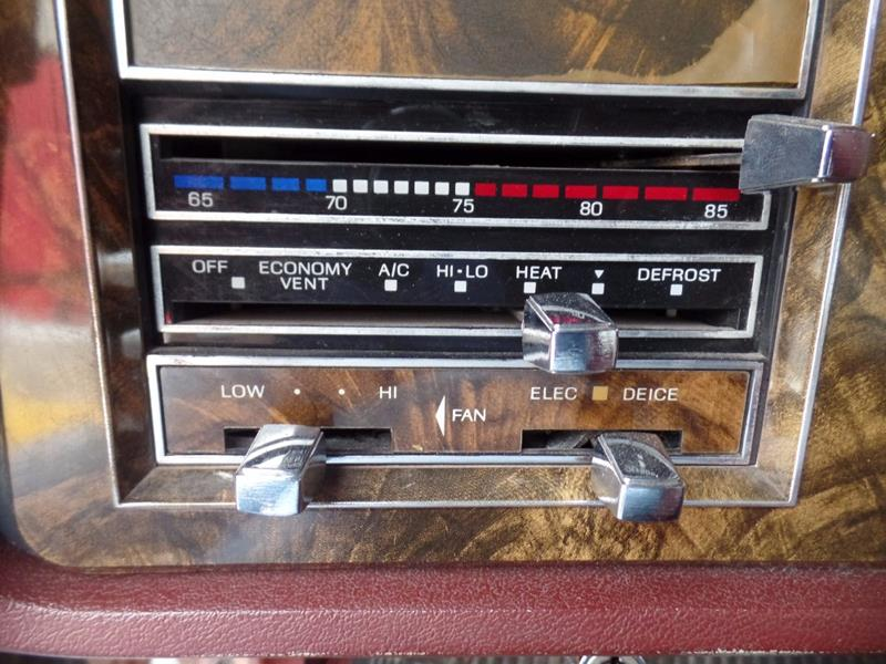 1979 Lincoln Continental 24