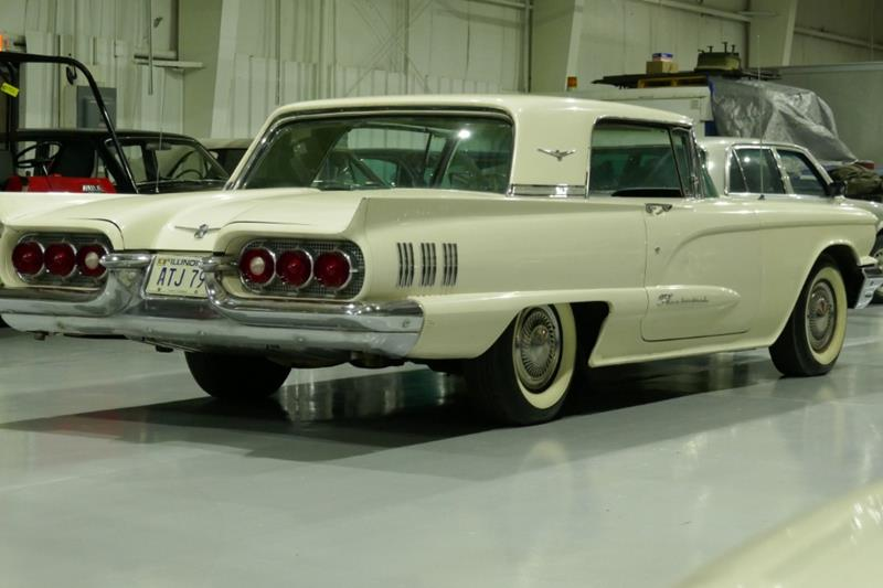 1960 Ford Thunderbird 20