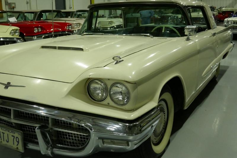 1960 Ford Thunderbird 28