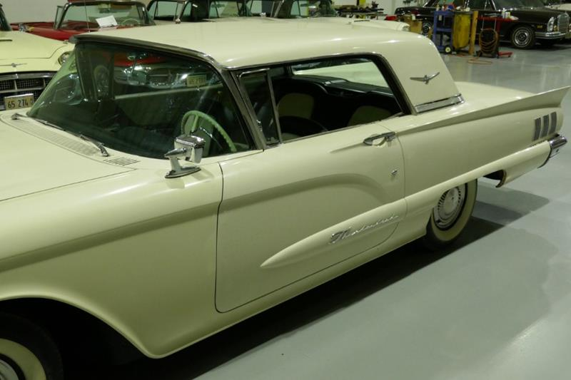 1960 Ford Thunderbird 4