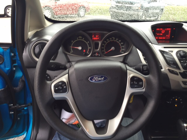 2012 Ford Fiesta SE 4dr Sedan - London KY