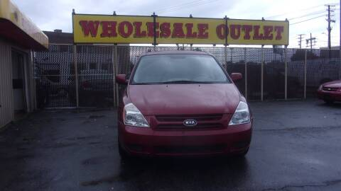 2008 Kia Sedona for sale at LONG BROTHERS CAR COMPANY in Cleveland OH